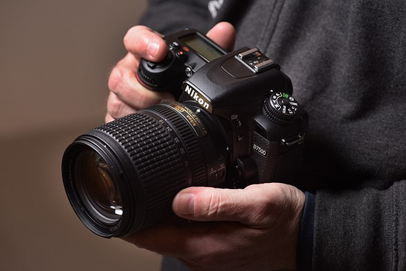 Nikon D7500 Vs Canon 80D: Which One You Should Buy?