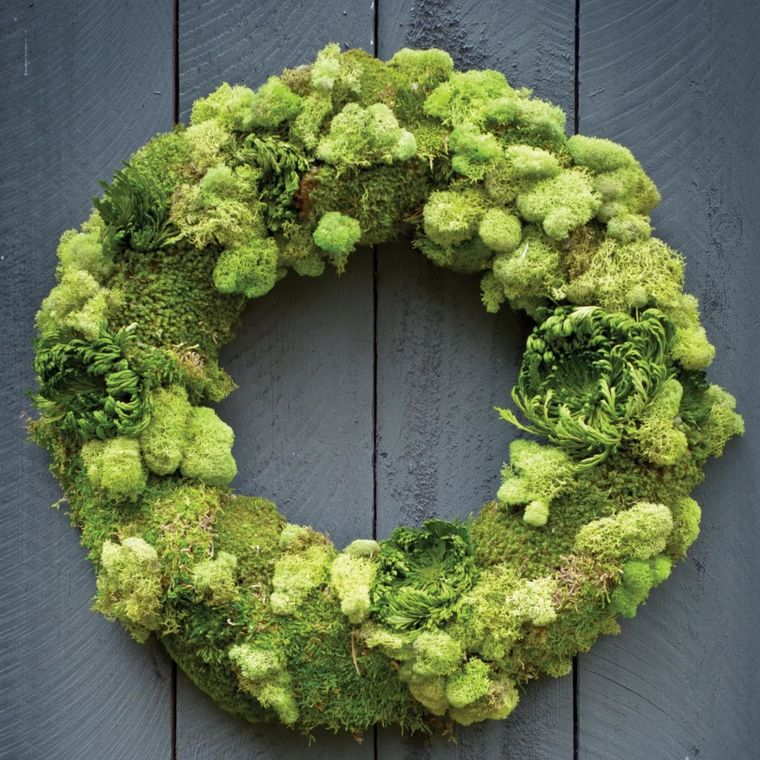 20 Lovely Ideas to Decorate Your Home in Spring Using Moss