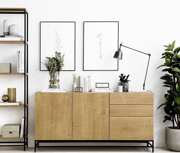 26 Ideas to Decorate Above the Sideboard